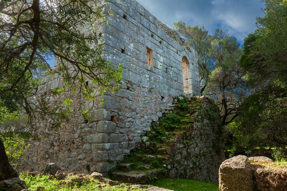 Lu Palazzu di Baldu: from legends to the most recent archaeological research